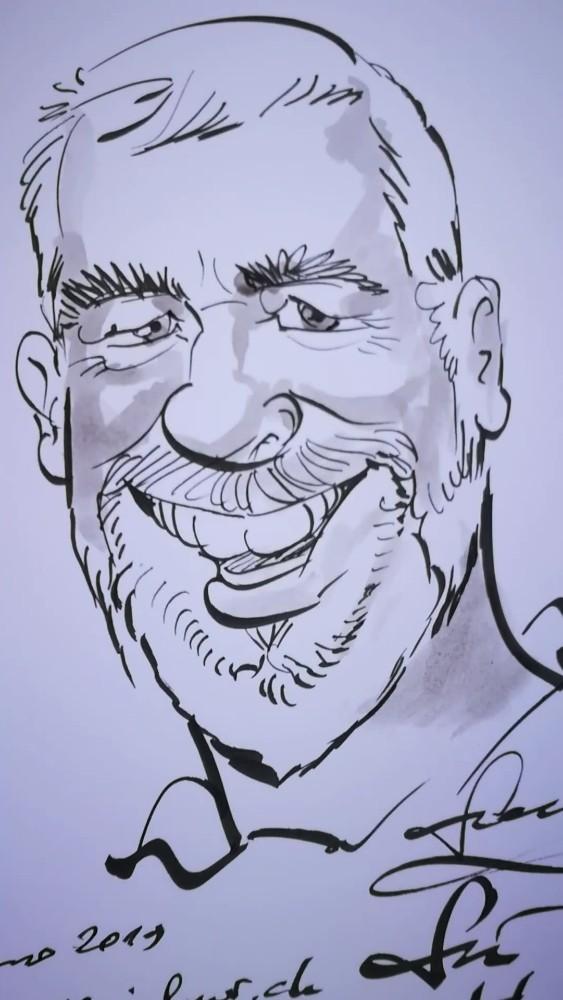 https://schnellzeichner.ch/zug-karikaturist-portraitzeichner-caricaturist-and-portrait-artist-zug-zuger-berg-zuger-see-schnellzeichner-comiczeichner-zauberer-messe-karikatur-nach-foto-zeichnen-zeichner-karikaturisten/